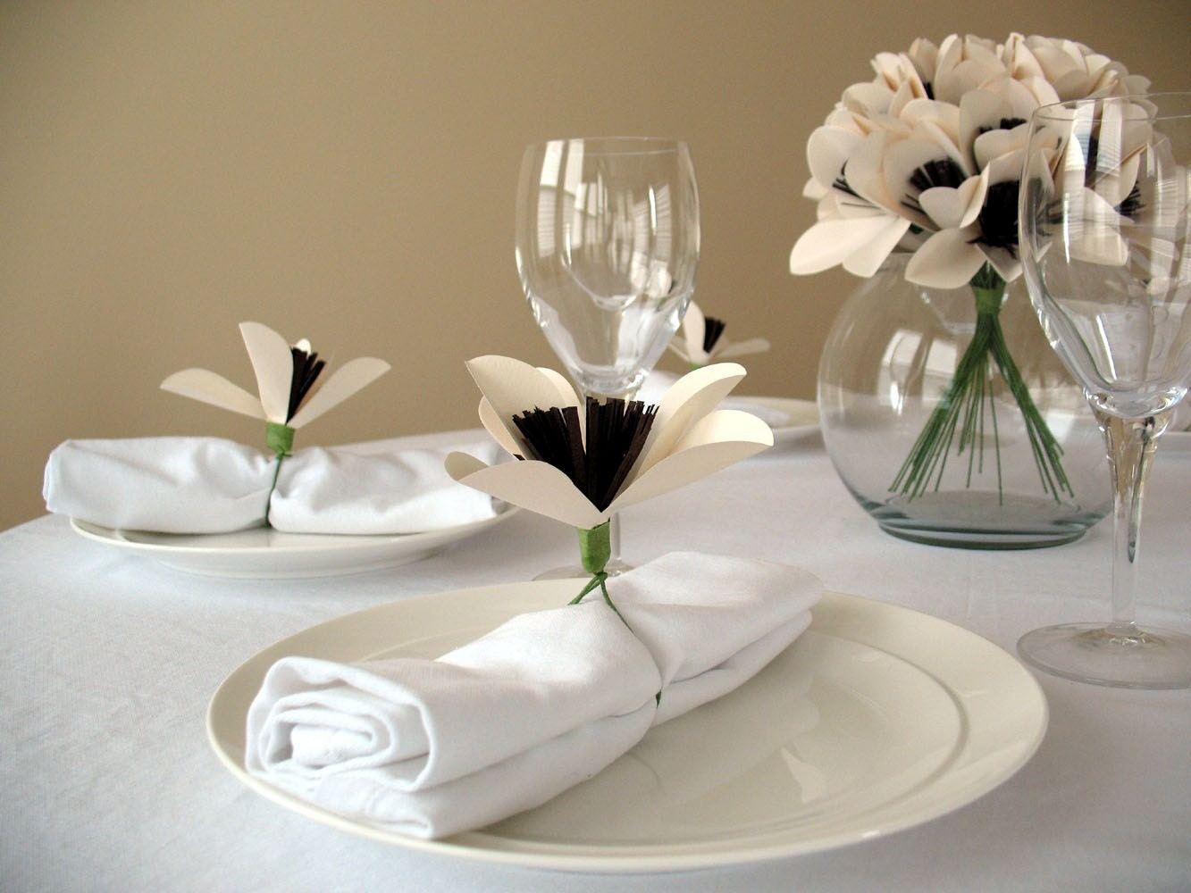 Craft Ideas Etsy on Cheap Centerpiece Ideas   Swoon