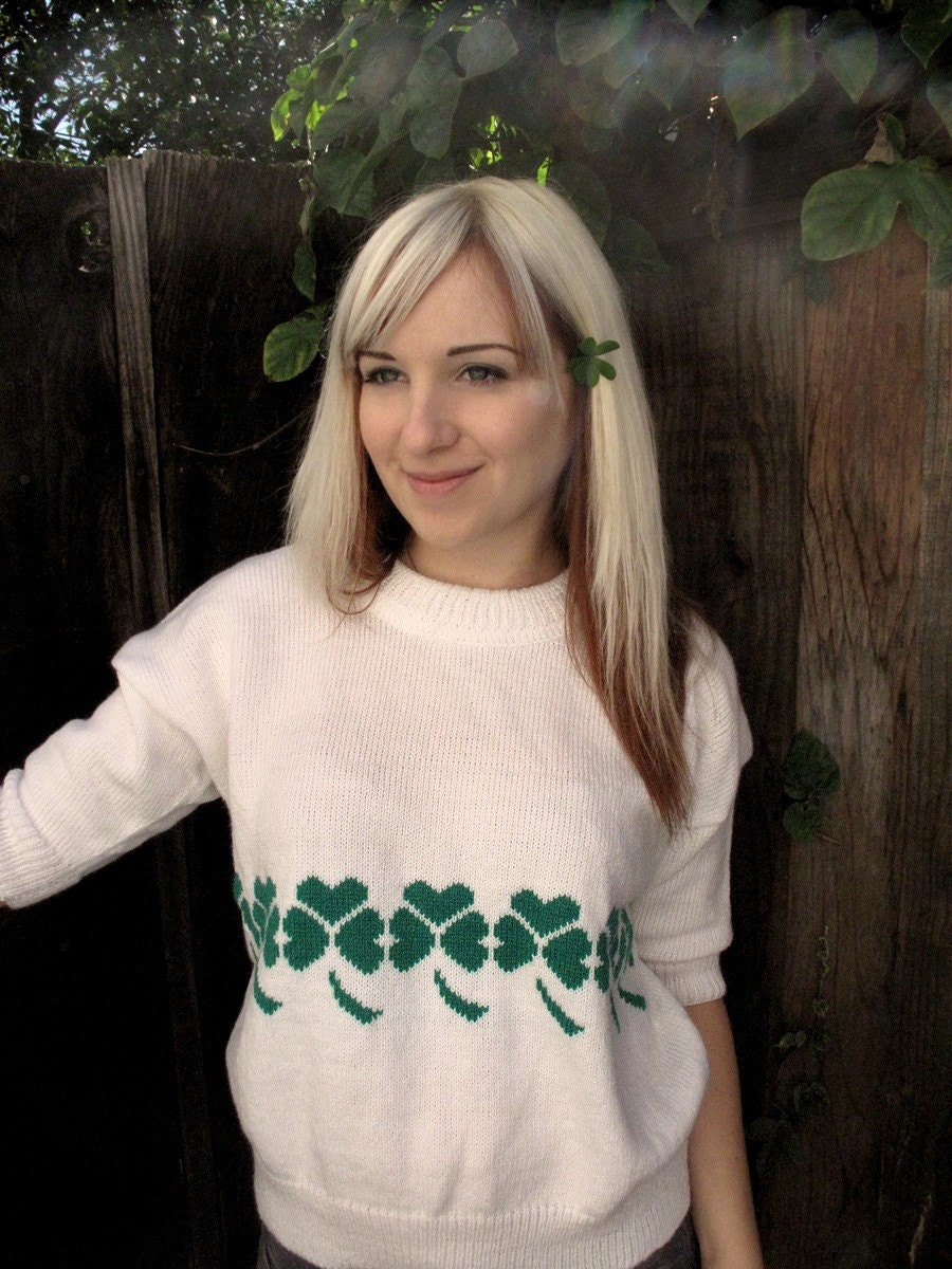 Good Luck Charm - White Vintage 80s Clover Sweater