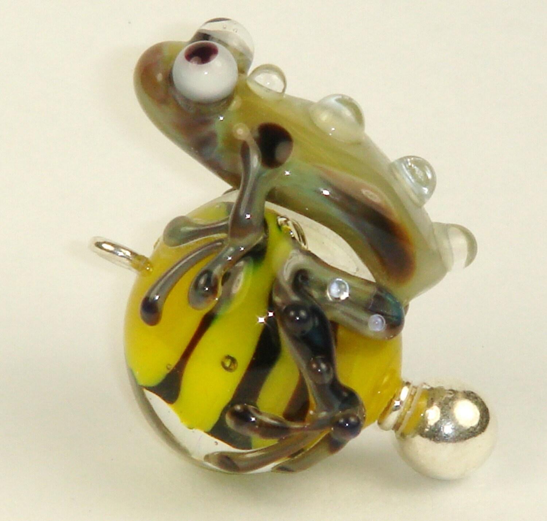 Frog - a - saurus Fabulous