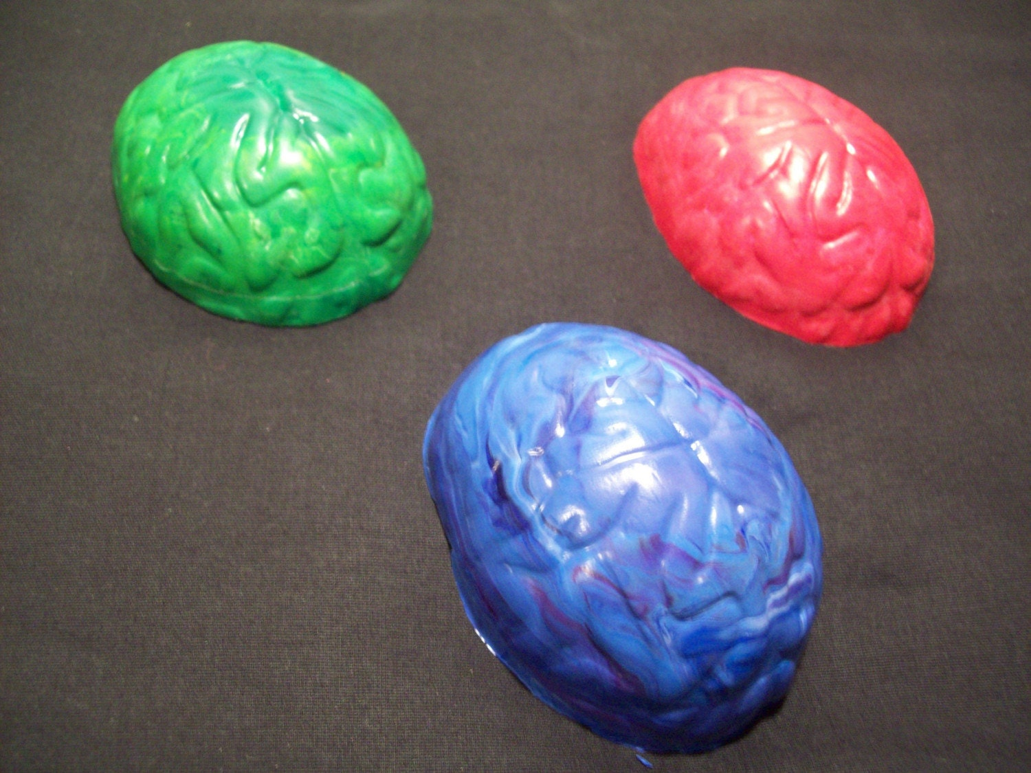 3-D BRAIN CRAYONS..JUMBO SIZE...Upcycled Crayons .. FREE SHIPPING.. Perfect For BOYS and GIRLS alike .. Swirly Whirly Colors
