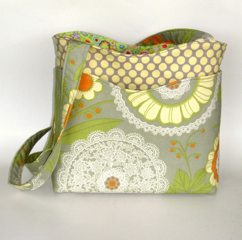 Classic Amy Butler. Handmade shoulder purse. Amy Butler, Kaffe Fassett fabrics. Pockets.
