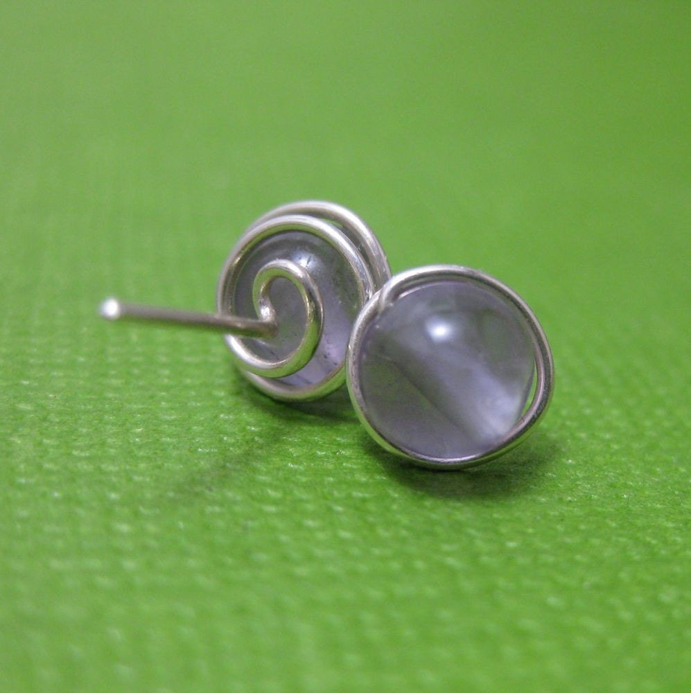 Stud Earrings in Sterling Silver with Amethyst Gemstone