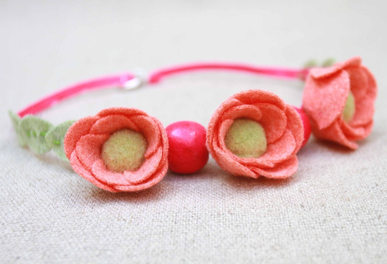 girls felt rose and bead necklace