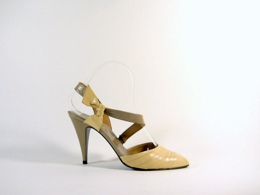 Vintage Neutral Origami Heels - 6.5 AVANT GARDE Free Shipping to US - Marmelange
