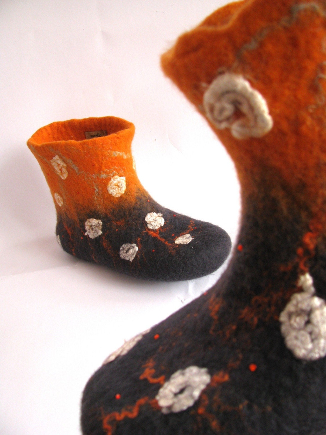 Felted slippers - Handmade to Order by aureliaLT