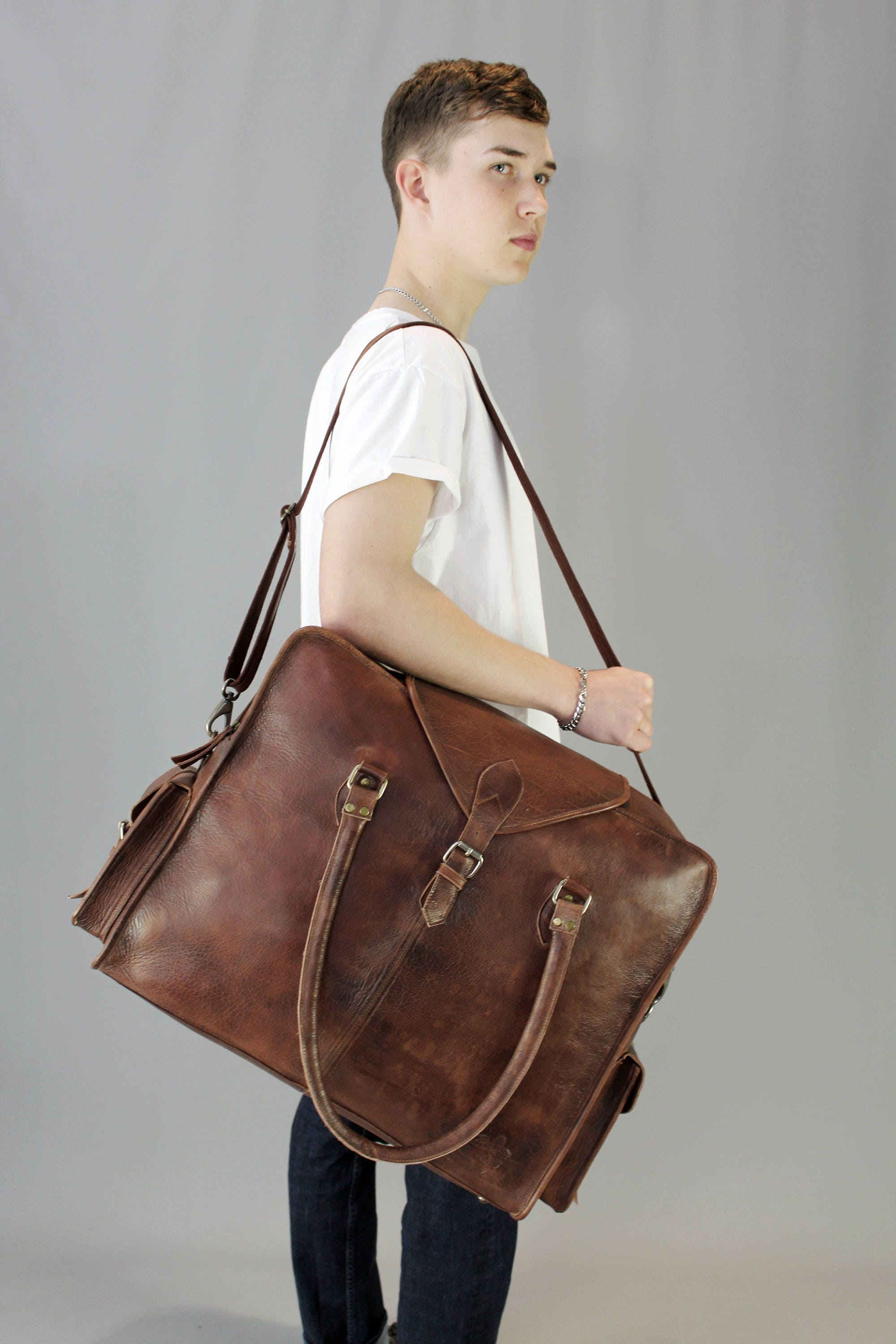 The Vagabond Extra Large Vintage style brown leather holdall duffle weekend bag flight cabin unisex mens personalized luggage tag gift