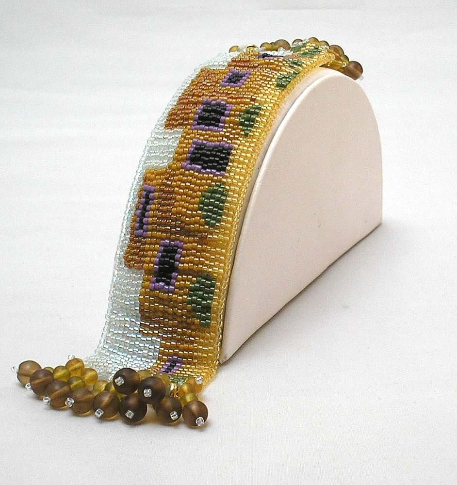 Hannah Rosner cuff bracelet  bead pattern peyote stitch loomwork