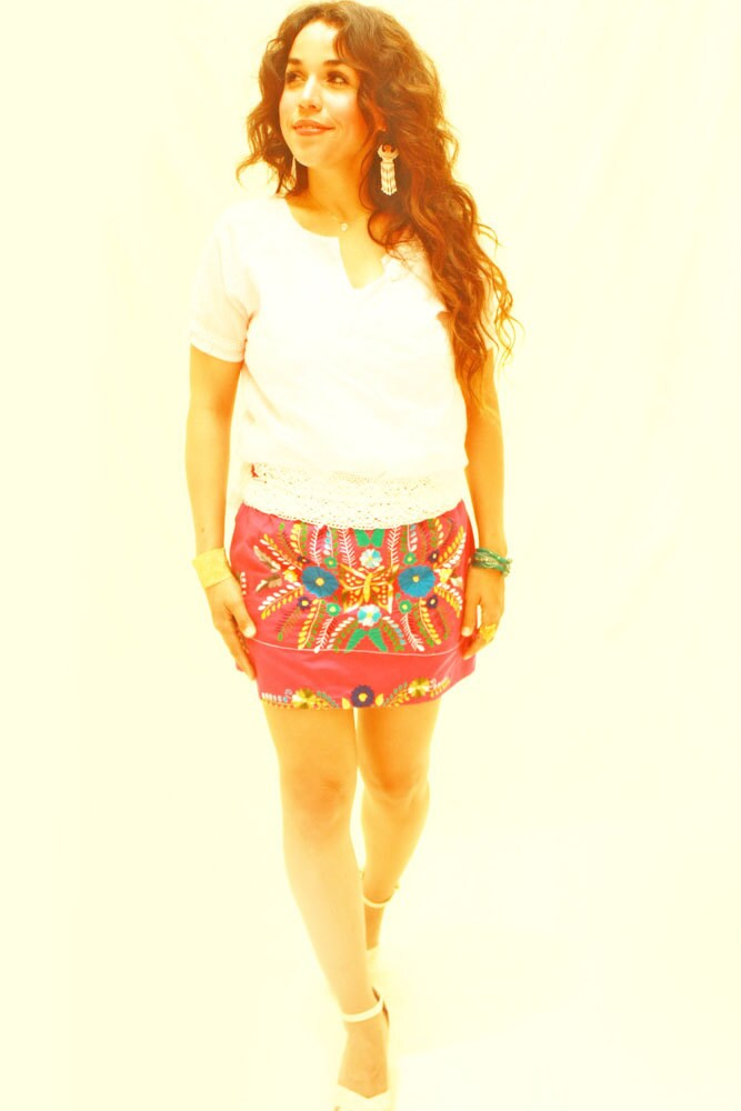 Mexican mini skirt reynalda embroidered and white by