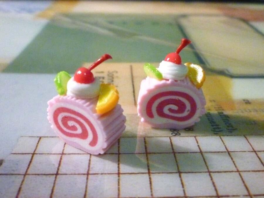Strawberry Roll Cake Earrings