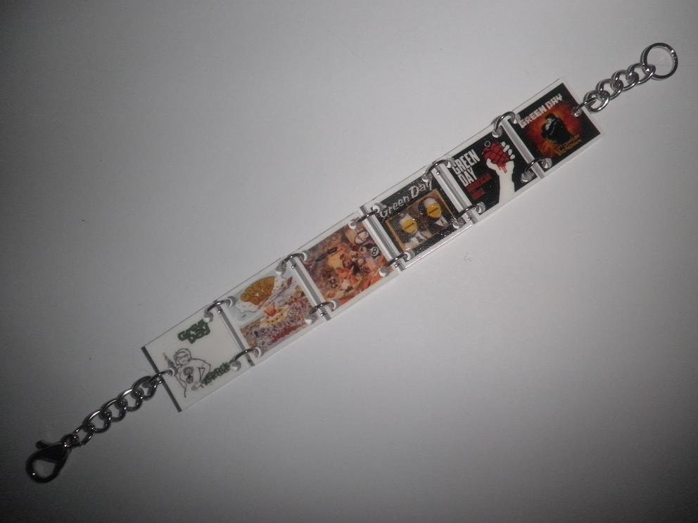 Insomniac Album Cover Green Day. Green Day album covers charm