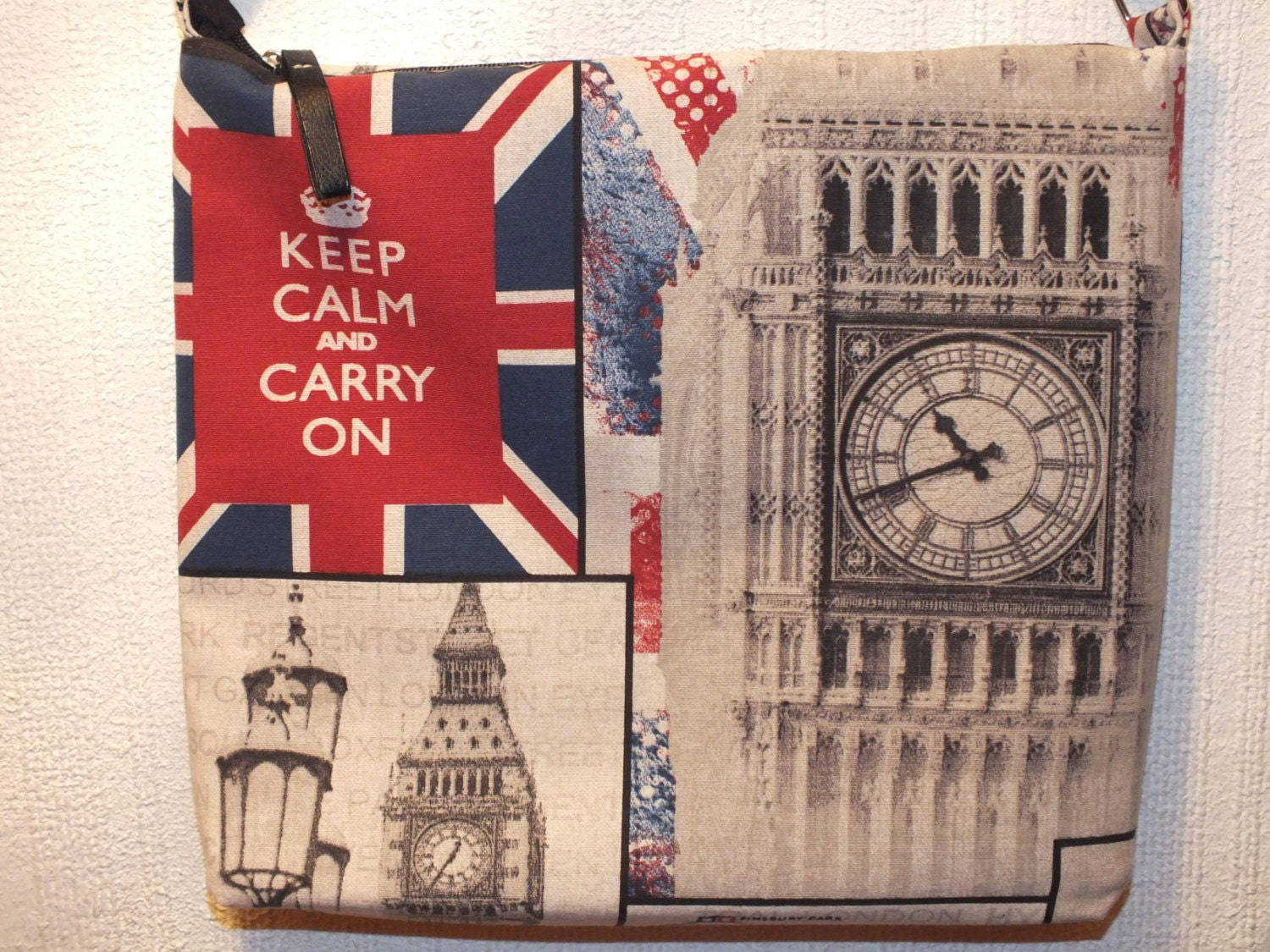 London printed Shoulder bag. London Messenger bag. - Hermitinas