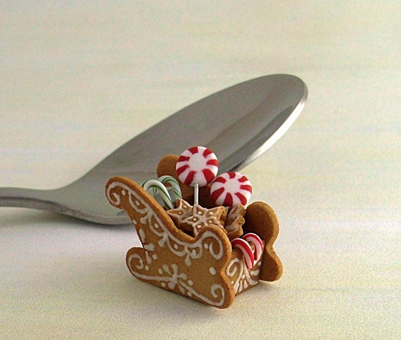 1/12 scale handmade dollhouse miniature Christmas Gingerbread Sleigh - minicris