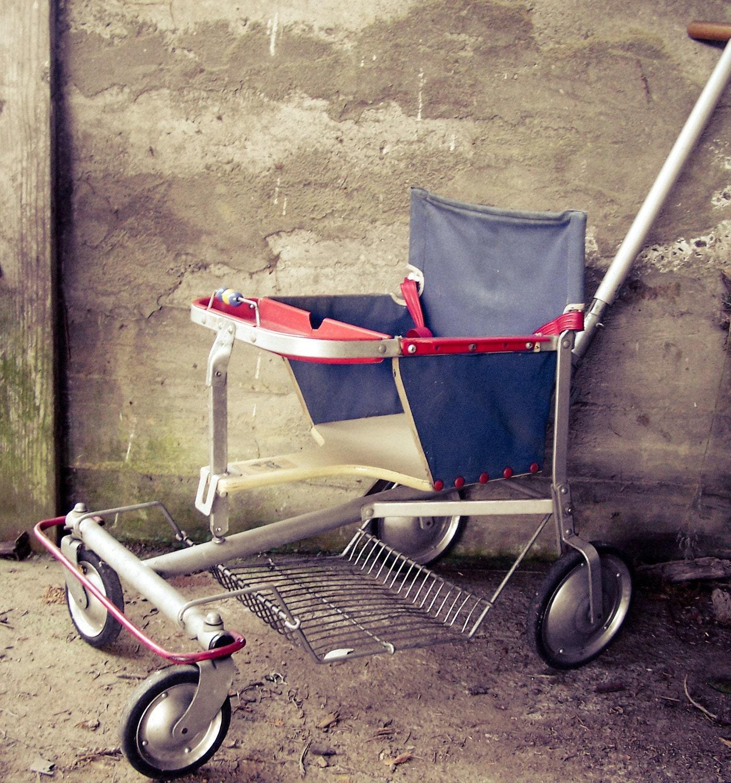 Folda Rola 1950's vintage baby stroller