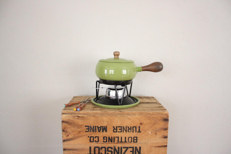retro fondue pot