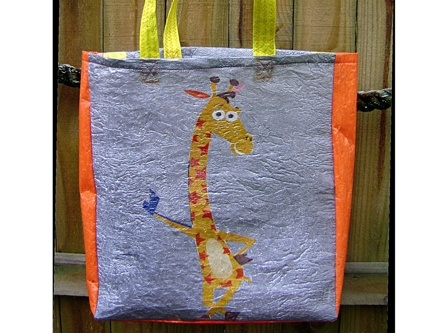 Geoffrey the giraffe fused plastic tote
