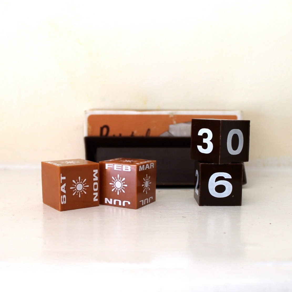 Perpetual Desk Calendar in original package cute - opendoorstudio