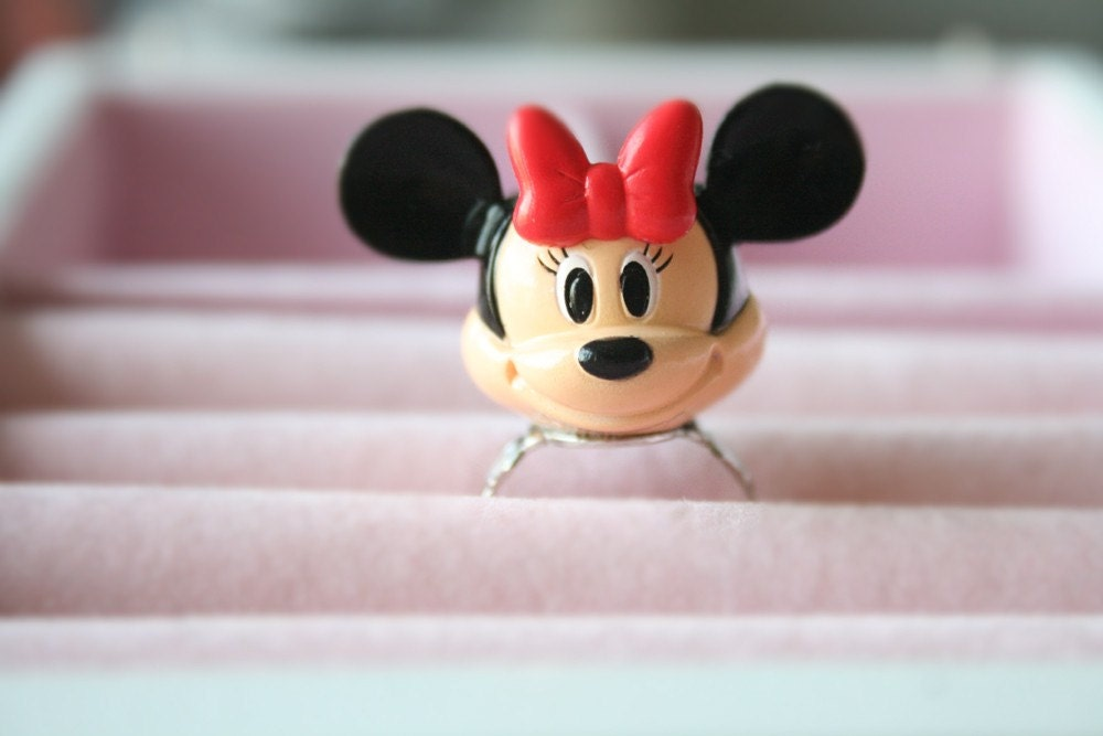 Minnie Mouse teacup ring