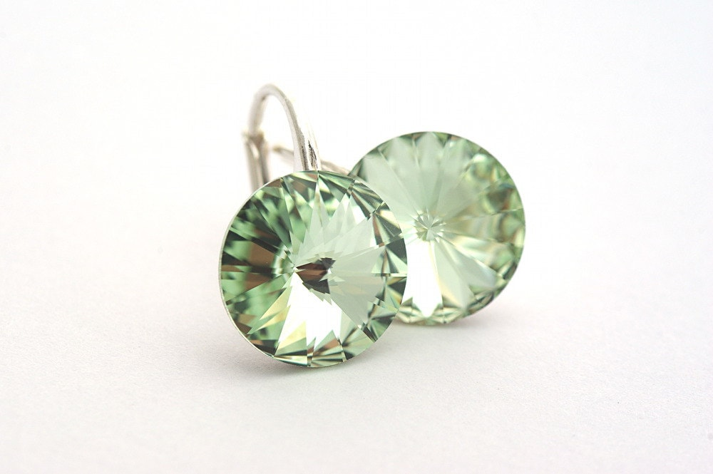 Mother's Day,Pastel Green Earrings, Swarovski Rivoli Chrysolite Earrings, Green Shimmer Color, Silver 925 leverback - cardioceras