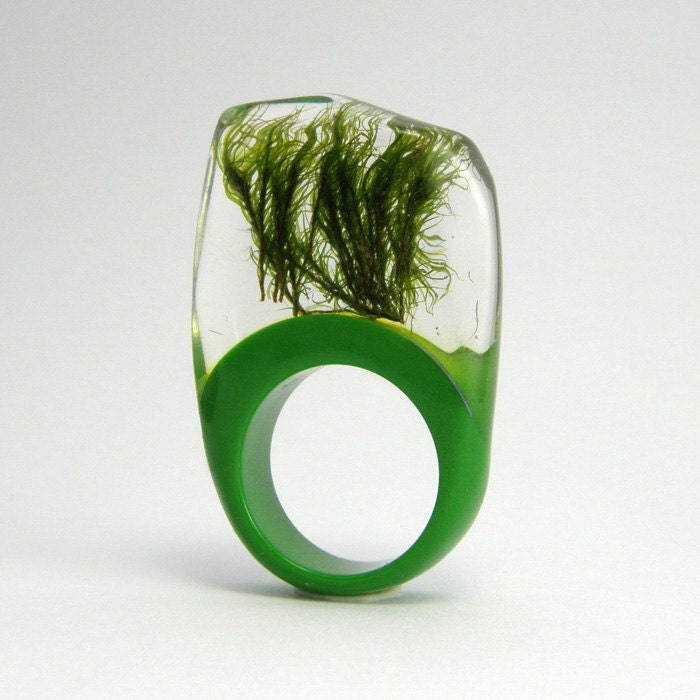 Moss and green resin Ring