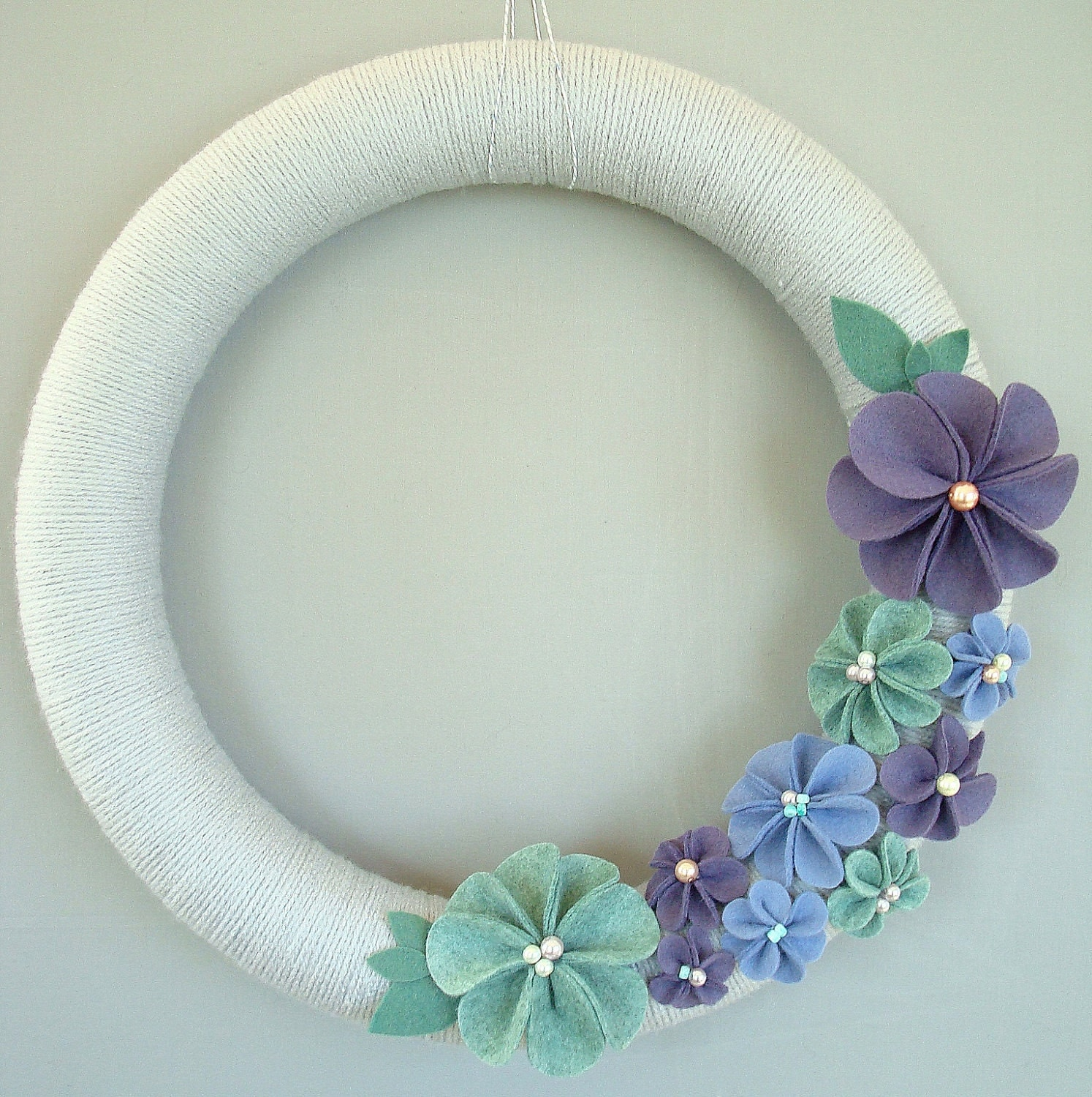 "Garland Grey Yarn and Felt Flowers.  Modern wreath, 14. ""Seafoam, periwinkle blue, purple and light gray felt flowers. Modern home decor."