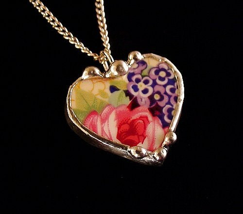 Broken China Jewelry petite heart pendant necklace Royal Winton Welbeck pink rose chintz