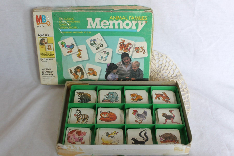 Memory Game Animal Families Milton Bradley 1986