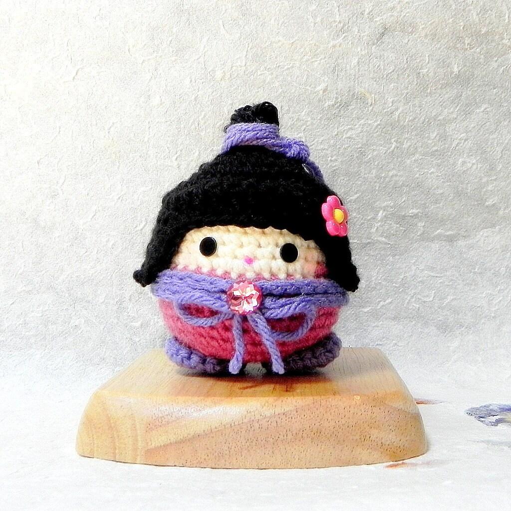 Pinku Crochet Amigurumi kokeshi doll pattern / PDF by TGLDdoll