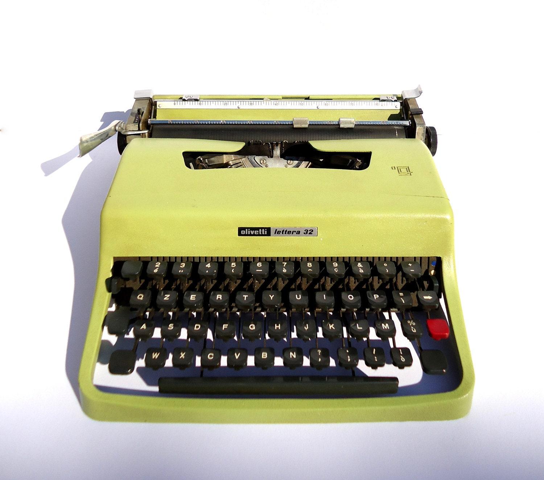 Vintage Green Typewriter Olivetti Lettera 32 60's - VirginiaVintageShop