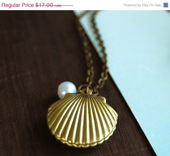 CIJ Sale 10% OFF Mermaids Locket Shell Locket Necklace. Gold Sea Shell Locket with White Pearl Necklace. Vintage Style Ocean Inspired Neckl - LeChaim