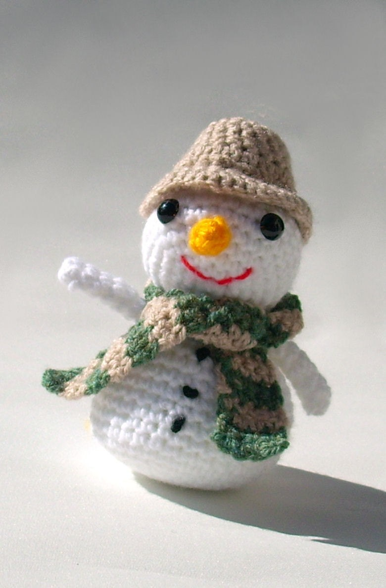 Amigurumi Snowman Ornament : Amigurumi Snowman handmade crocheted plush Christmas toy ...