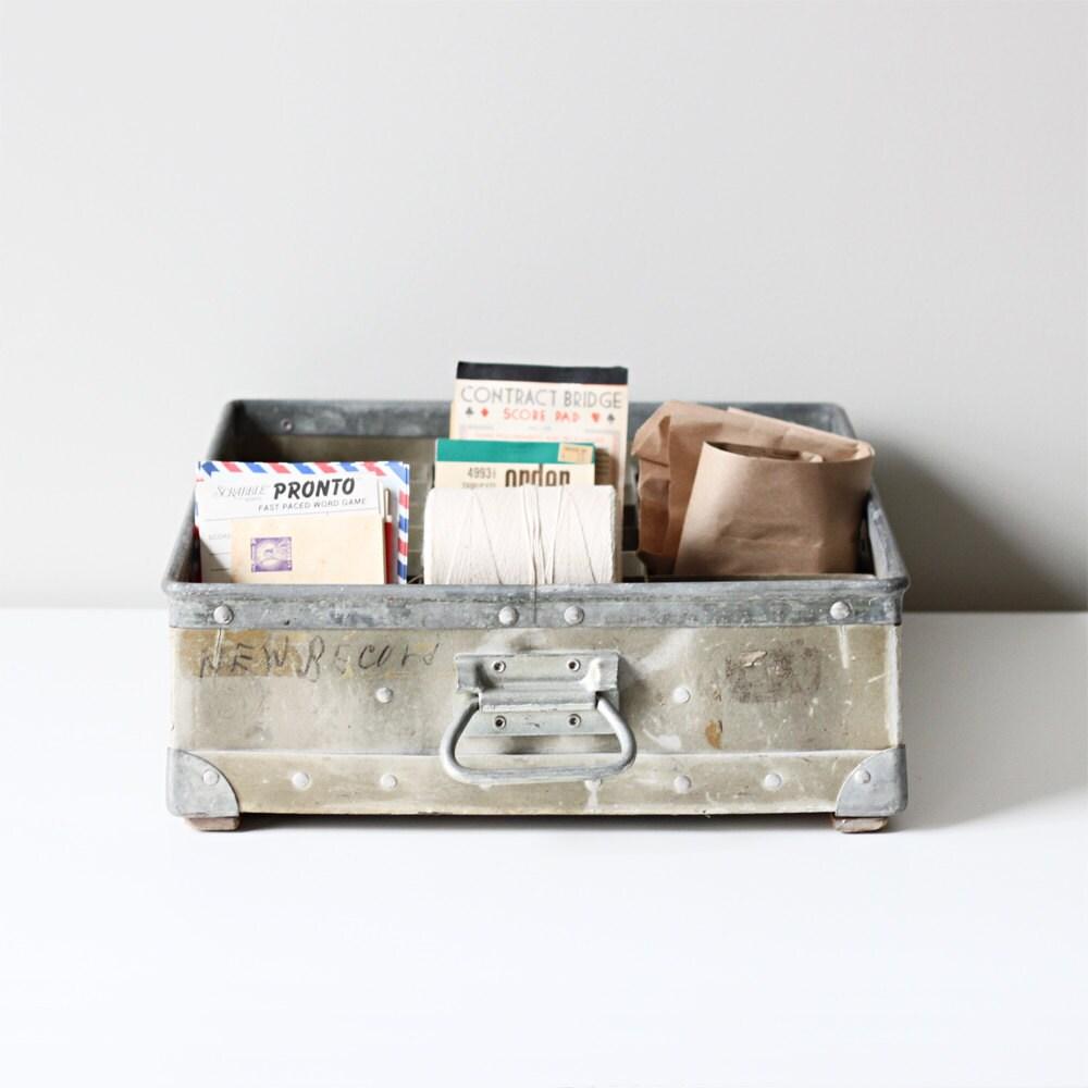 vintage fiberglass divided crate - HRUSKAA