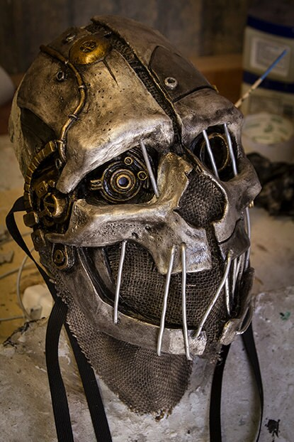 "No Honor skull mask, in the style of ""Corvo"" from the video game ""Dishonored"" - gryphonsegg"