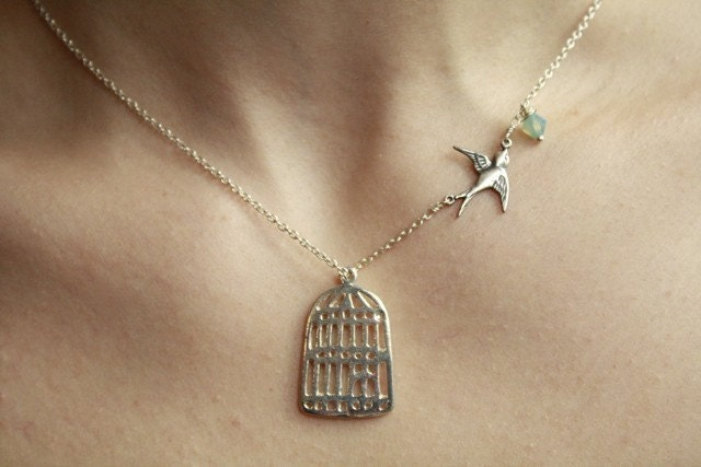 Adorable Silver Birdcage Necklace With Flying Sparrow