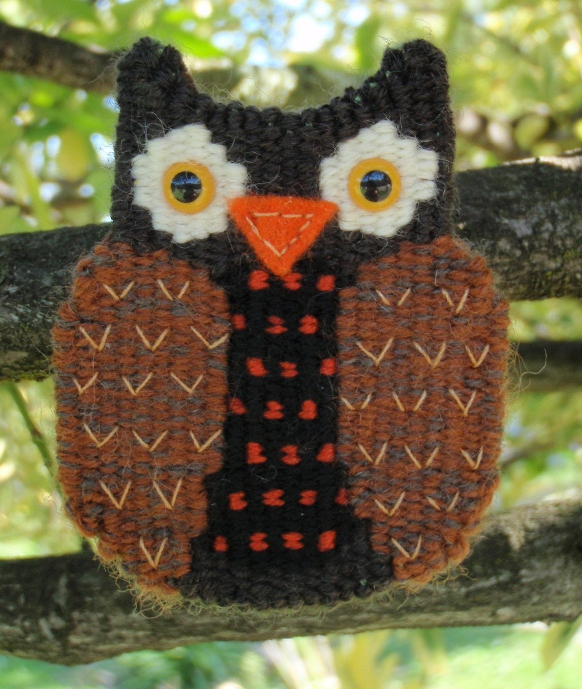 Woven Brown Wise Owl Brooch