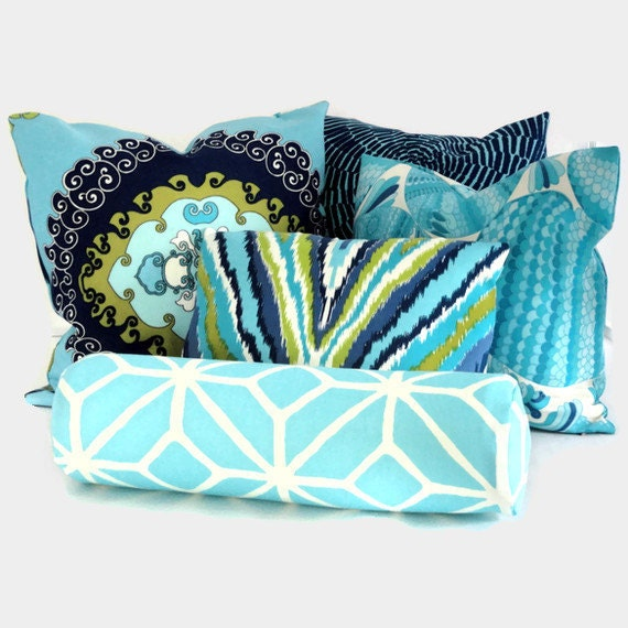 Trina Turk Super Paradise Indoor Outdoor Decorative Pillow Cover, Schumacher, 22x22