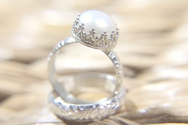 Pearl Wedding Ring Set Eco Friendly Floral by ButtercupandCo