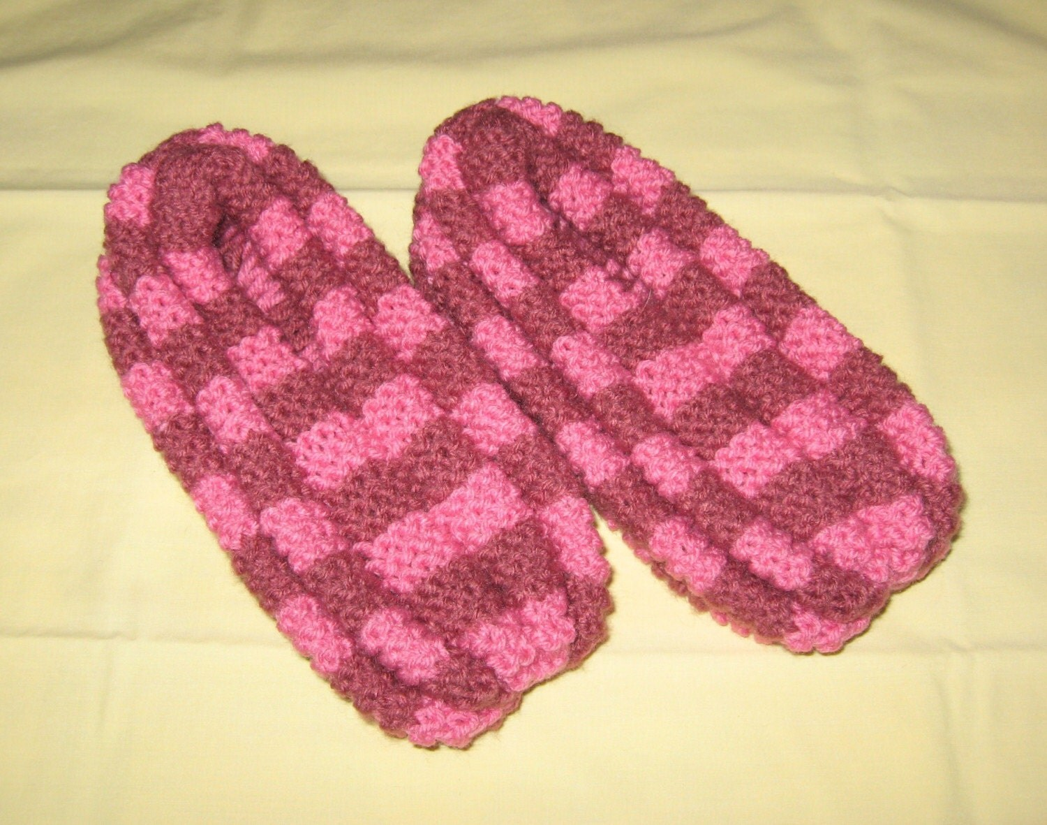 Knitting Pattern For Checkerboard Slippers : Checkerboard slippers by Bneez on Etsy