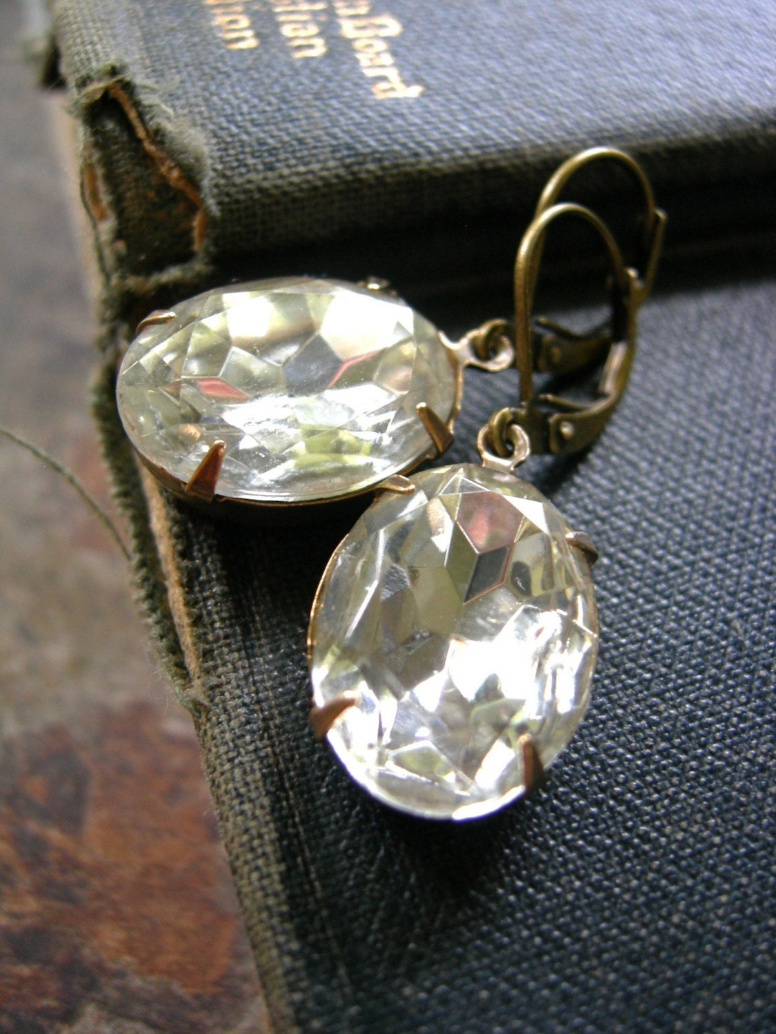 SPRING CLEARANCE - Hollywood Luxe Earrings (Crystal Clear Ovals)