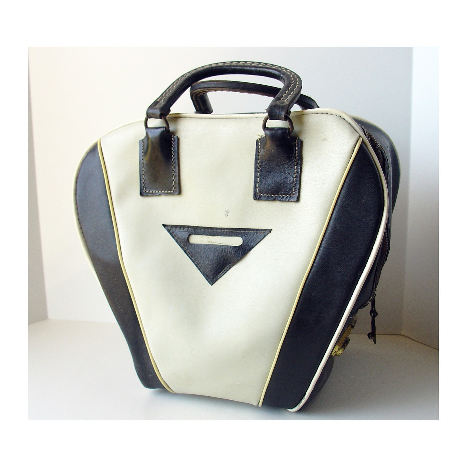 Vintage Amf Black And White Bowling Bag By Happybluemoon