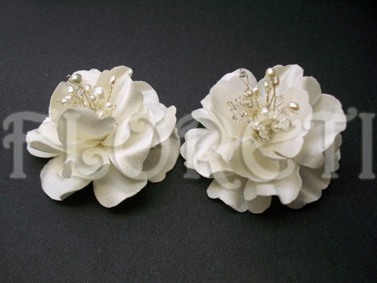 Antique White Miniature Magnolia Bridal Hair Flowers from etsy.com