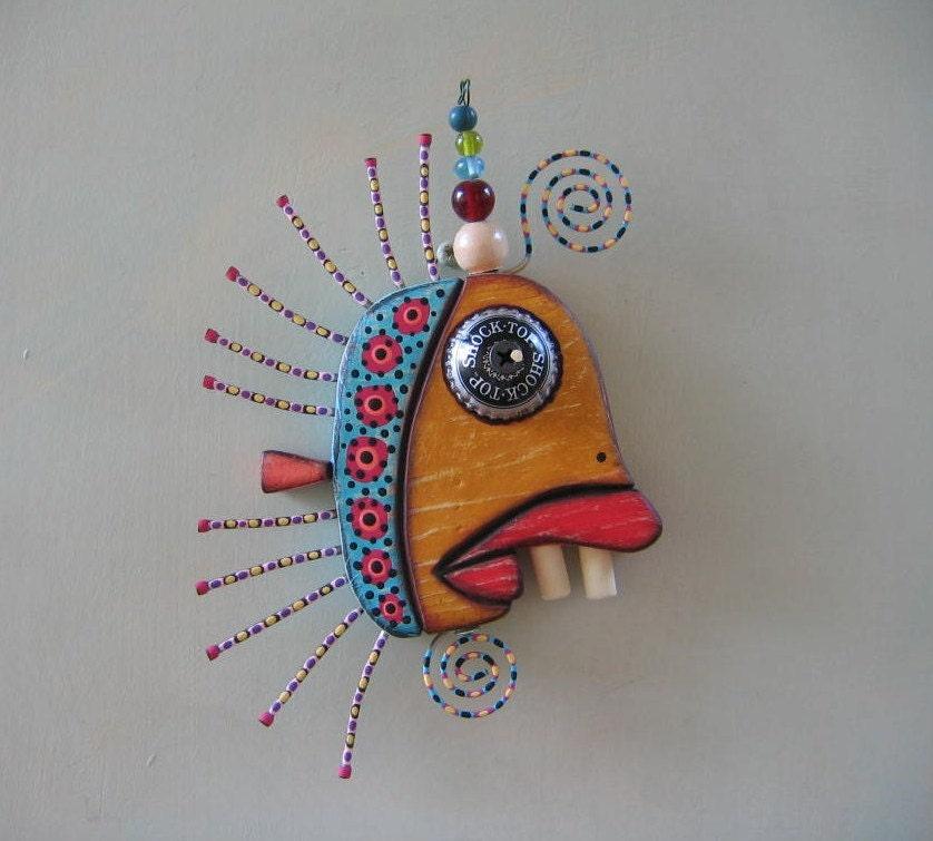 Torsadée Minnow III, Art de mur objet trouvé Original, bois sculpté, de Studio de confiture de figue
