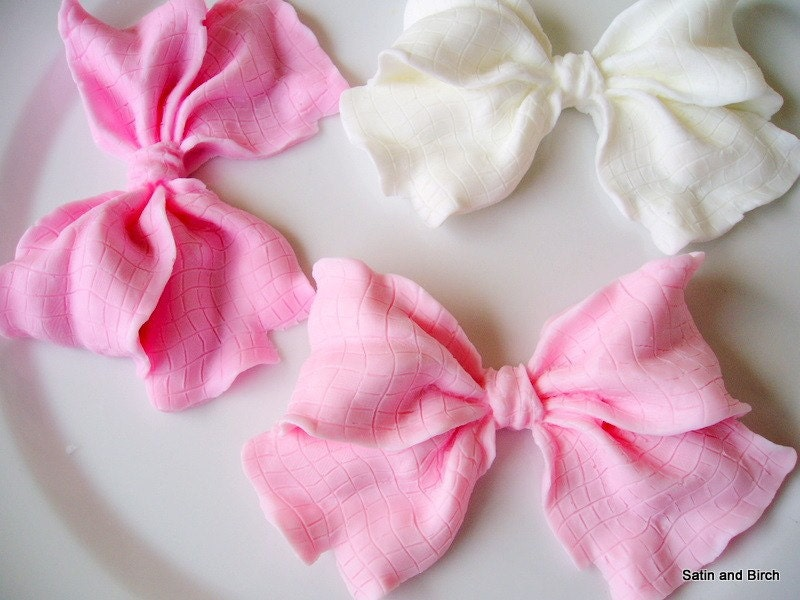 <br />Petit Pink and White Bows in Soap<br />