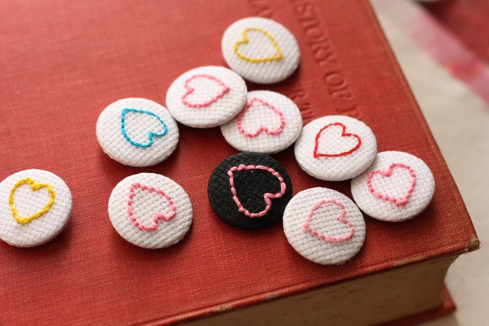 pink heart embroidered pin