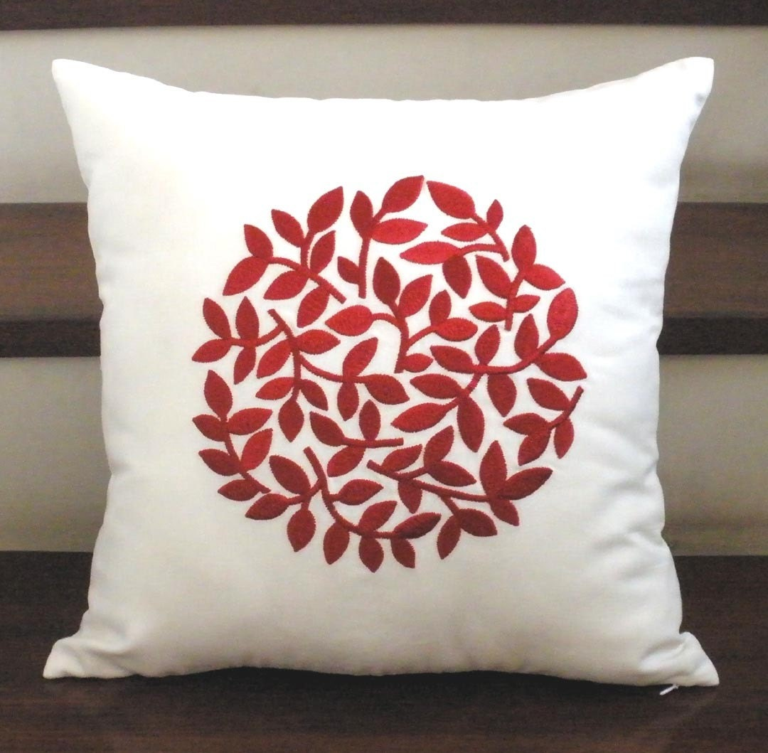 Circle of Flowers  Pillow Cover
