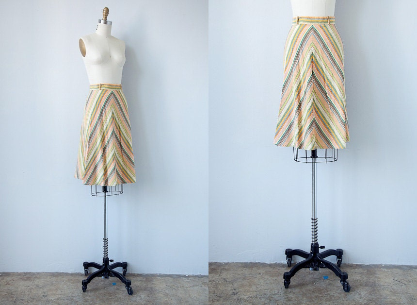 vintage 1940s skirt / vintage 40s skirt / vintage yellow chevron striped 1940s skirt