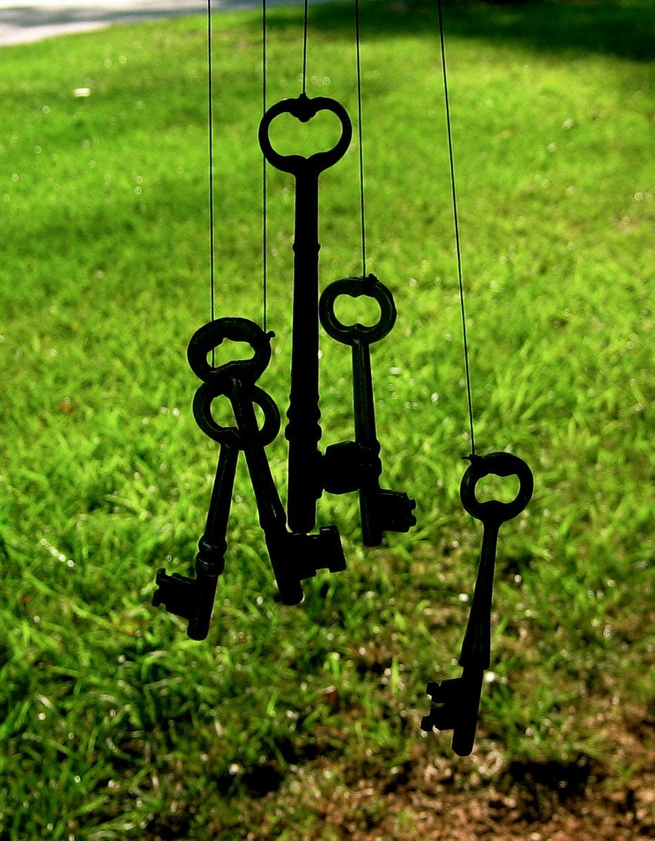 JUMBO skeleton key wind chimes for yard decorating and making guests feel more welcome