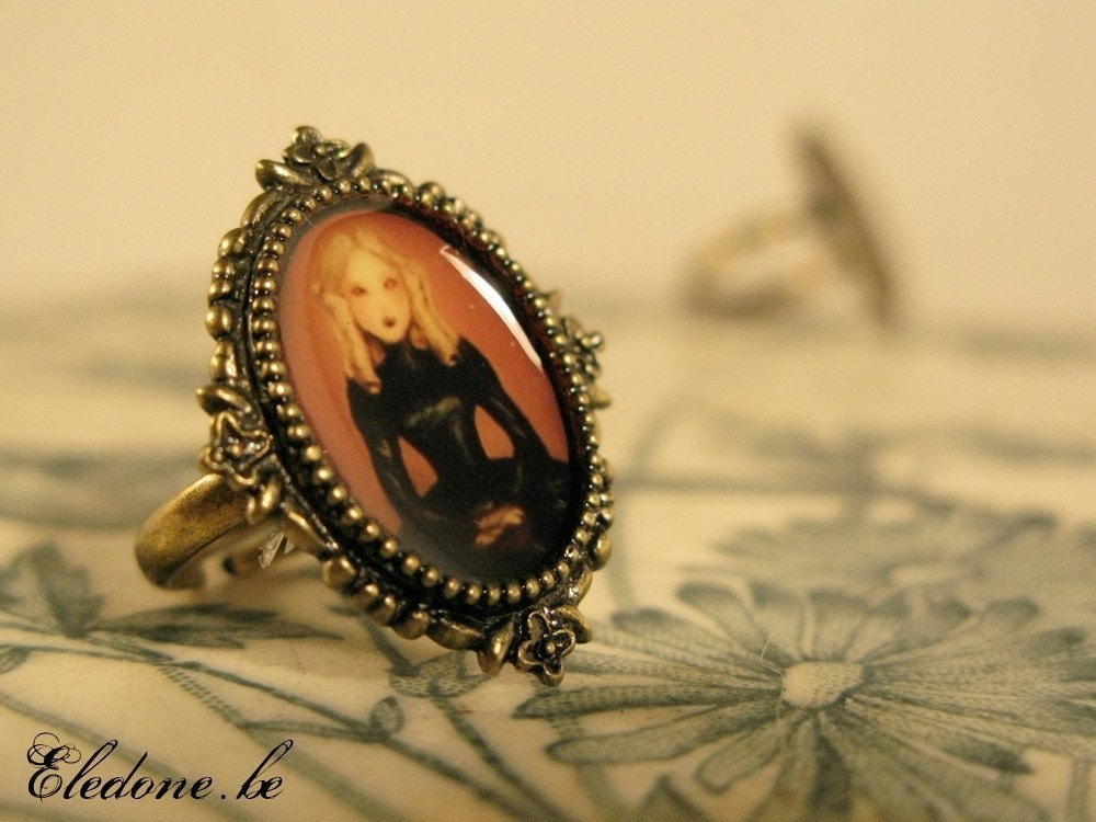 The Pale Lady Ring
