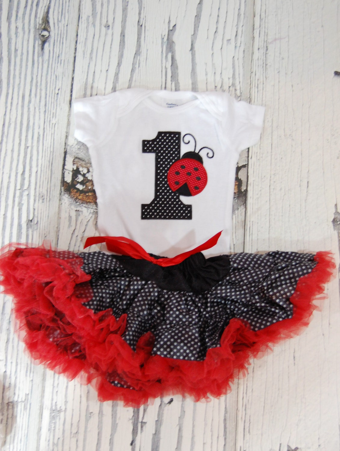 foto de Ladybug First Birthday Pettiskirt Outfit with by PoshPixieTutu