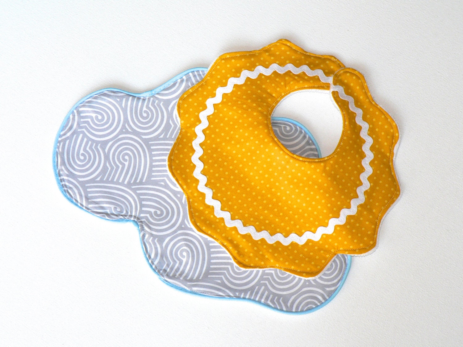 Sun and Cloud Bib and Burp Cloth Set - CecilClyde
