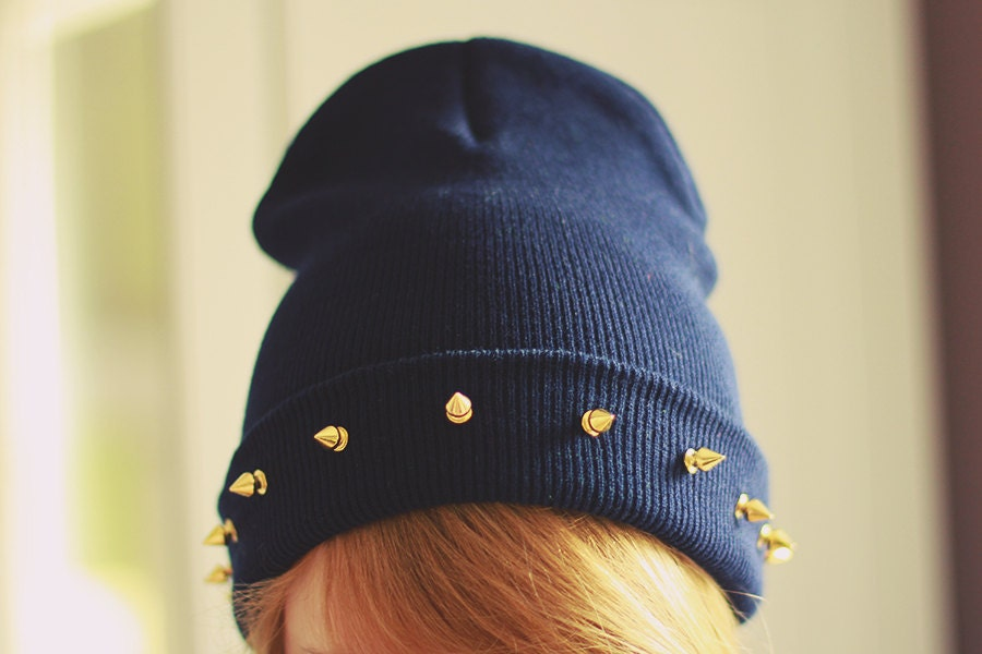 Studded spiked BEANIE Navy - SORUTHLESS